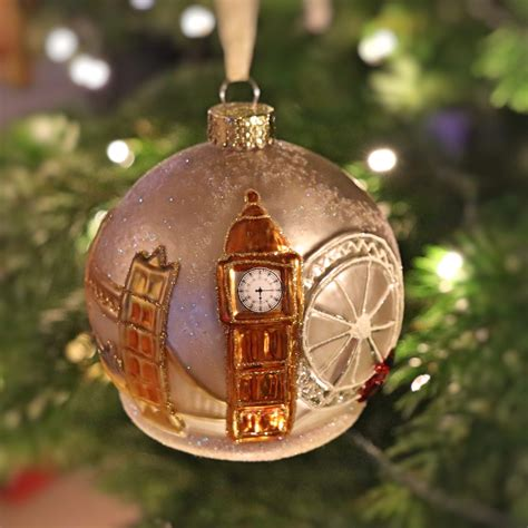 Around the world in Christmas baubles – Cheeky Travelholics