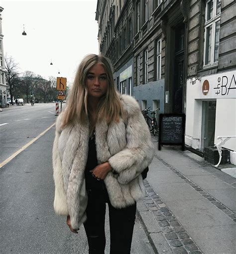 Pälsjackor in 2020 | Fashion, Popular outfits, Cold