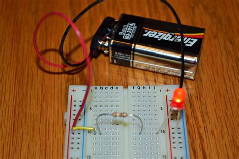 Easy LED circuit project | Science with Kids