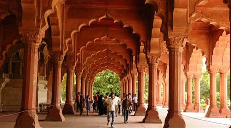 Red Fort Delhi - History, How to Reach, Timings & Online
