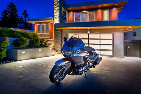2018 Honda Gold Wing: Riding the new techiest bike on the