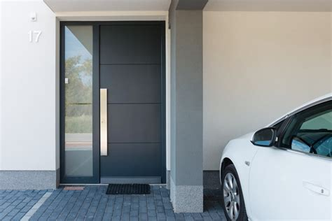 Guide to who makes the best aluminium entrance doors | ATS