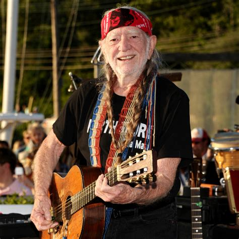Willie Nelson's braids sell for $37,000 at auction | Gigwise