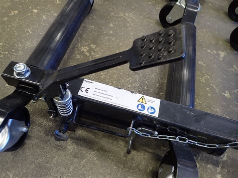4 pc Wheel lolly, hydraulic - PS Auction - We value the